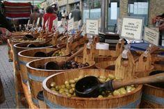 Broadway Market: Borough Olives, photo: Sam Thompson -  www.shrinkpad.com