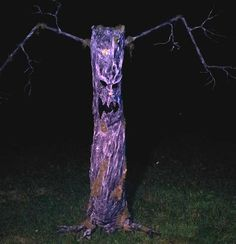 Halloween-Crafts idea-Paper Mache Scary Tree Lawn Ornament