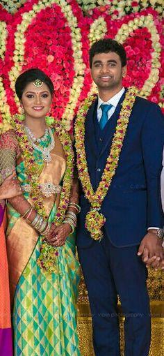 Wedding Pics, Wedding Wear, Wedding Bells, Wedding Bride, Indian Wedding Flowers, Indian Bridal, Indian Sarees, Silk Sarees, Wedding Garlands