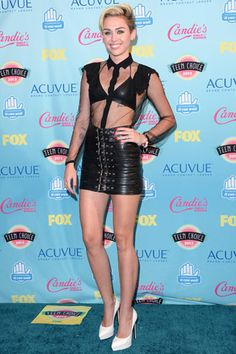 La blue carpet de los Teen Choice Awards 2013 MILEY CYRUS