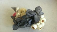髪飾り (バレッタ)8×5×3cmドライフラワー 糸お直し、パーツ変更(できるだけお応えします)|ハンドメイド、手作り、手仕事品の通販・販売・購入ならCreema。