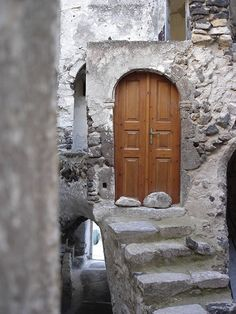 40 Images Of Doors From Around The World | EcoSalon | Conscious Culture and Fashion -  Santorini, Greece