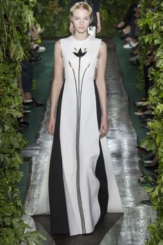 Valentino, Show Fall/Winter 2014-2015 - Vogue English