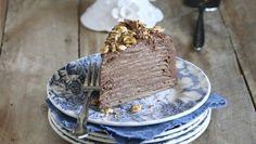 """750g vous propose la recette """"Mille crêpes à la noisette et au chocolat"""" notée 4.3/5 par 118 votants."""