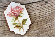 #COOKIE CONNECTION ALERT: Read our latest edition of Get Inspired with Dolce Sentire to learn how to make this gorgeous dimensional rose cookie. COOKIE AND PHOTO BY DOLCE SENTIRE.