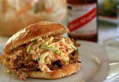 Amerikansk barbecue sauce til Pulled Pork - Gastromand Pulled Pork Marinade, Coleslaw For Pulled Pork, Pulled Pork Burger, Pork Burgers, Pork Rub, Fodmap, Grilling Recipes, Cooking Recipes, Super Bowl Menu