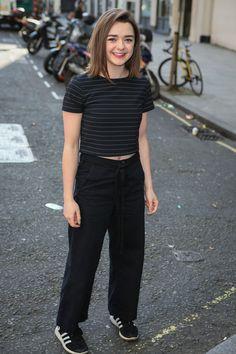 Maisie williams, Magazines and Arya stark on Pinterest Maisie Williams 2011