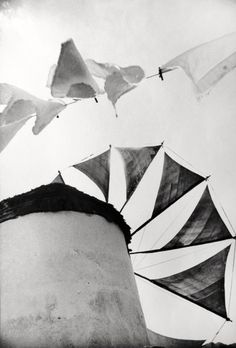 melisaki:    Windmill, Mykonos  photo by Norman Parkinson, 1962    submitted by Gul-o-Khaar