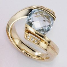 Damen-Ring 6 Diamant-Brillanten 14 Karat (585) Gelbgold 0.05 ct. 1 Topas 56 (17.8) Dreambase http://www.amazon.de/dp/B00AEEHD34/ref=cm_sw_r_pi_dp_8-i.tb086V003