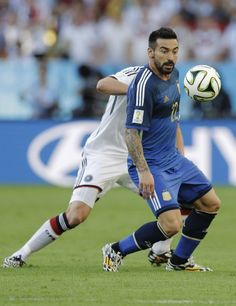 FIFA World Cup 2014 - Alemania 1 Argentina 0 (7.13.2014) - El Nuevo Herald Argentina's Ezequiel Lavezzi controls the ball during the World Cup final soccer match between Germany and Argentina at the Maracana Stadium in Rio de Janeiro, Brazil, Sunday, July 13, 2014. Victor R. Caivano / AP