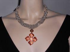 Beige silk macramé necklace with pendant di AngelaMacrame su Etsy, €70.00