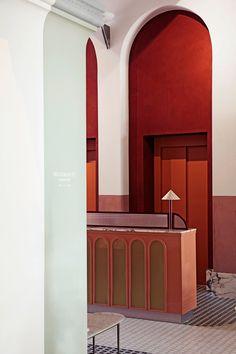 Dorothée Meilichzon Crafts an Authentic Venetian Getaway with Il Palazzo Experimental Hotel Patio Interior, Home Interior, Interior Design, Simple Interior, Interior Sketch, Interior Office, Studio Interior, Minimalist Interior, Apartment Interior