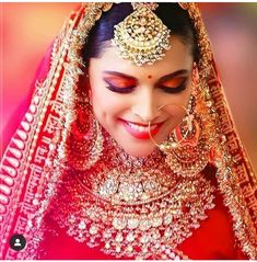 Today Jewellery is the most important element of a Bridal Makeover. With Bollywood Celebs adorning those luxurious pieces either in movies like Padmavat and Kalank, seriously the Bridal Jewellery Shopping is one of the major task in the checklist. Indian Bridal Outfits, Indian Bridal Fashion, Indian Bridal Makeup, Bridal Dresses, Indian Dresses, Bridal Makeup Looks, Bridal Looks, Bridal Style, Deepika Padukone Style