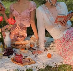 Poses, Frühling Wallpaper, Picnic Date, Fall Picnic, Summer Picnic, Spring Aesthetic, Photo Instagram, Looks Vintage, French Vintage