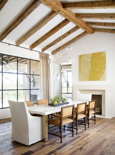 rustic dining room/ window, ceiling