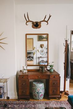 Welcome to Homestead 10 - Lane Mirror, Art Deco Desk, Ceramic Garden Stool, Coat or Towel Rack, Taxidermy, Antlers