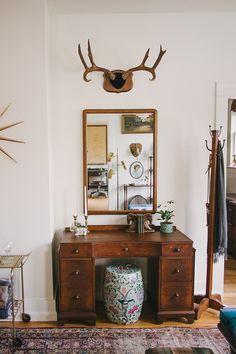 Welcome to Homestead 10 - Lane Mirror, Art Deco Desk, Ceramic Garden Stool, Coat or Towel Rack, Taxidermy, Antlers