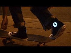 Converse with electroluminescent material