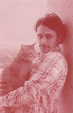 cuteboyswithcats:  another one of james franco! woop. submitted by anjori