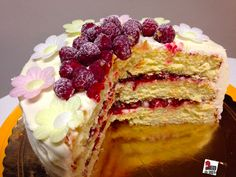Lemon raspberry layer cake: sour and delicious. Have a look on foodblog www.mycakeisluka.com