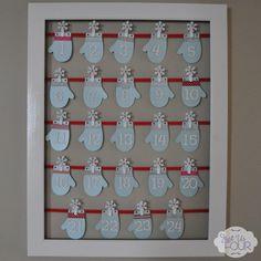 DIY Frame and hanging mitten Advent Calendar #Christmas #AdventCalendar