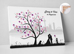 Zur Erinnerung an euren schönsten Tag ist ein Wedding Tree eine wunderschöne Alternative zum klassischen Gästebuch.  Der…