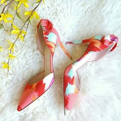 """NWOT {Kate Spade} Colorful Back Bow Lula Heels -Kate Spade New York Lula D'Orsay Pumps  -Watercolor print  -Pointed toe  -3 3/4"""" heel  -Textile upper -Leather lining and sole  -Made in Italy   -New, never worn, without tag & no box (I labeled it as NWT for exposure) -Some small dents on outsoles from trying on at store (as pictured) ⭐HP 4-24-16 ⭐HP 4-28-16 ⭐HP 4-30-16  ⭐HP 5-3-16  ⭐HP 5-13-16 ⭐HP 6-13-16  ⭐HP 6-15-16  ⭐HP 7-6-16  ⭐HP 9-15-16 ⭐HP 2-8-17   by @alinasher kate spade Shoes Heels"""