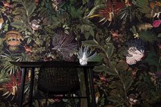 Archive drawings of bygone creatures feature in The Museum of Extinct Animals, a new range of wall coverings and textiles from Dutch brand Moooi. Tier Wallpaper, Trendy Wallpaper, Animal Wallpaper, Pattern Wallpaper, Arte Wallcovering, Inspiration Wand, Interior Inspiration, Extinct Animals, Dutch Artists