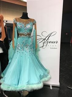 Ajour Design London More – All Dance Costumes Latin Ballroom Dresses, Ballroom Dance Dresses, Ballroom Dancing, Latin Dresses, Beautiful Dresses, Nice Dresses, Baile Latino, Dance Outfits, Ball Gowns