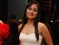 Sonakshi Sinha hot images Wallpapers | Sonakshi Sinha HD Wallpapers Download
