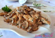 Chicken escalopes with mushrooms - Recipes in Harmony Meat Recipes, Chicken Recipes, Healthy Snacks, Healthy Recipes, Best Dinner Recipes, Mushroom Recipes, Light Recipes, Food Dishes, Italian Recipes