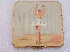 Beautiful Vintage Stratton Ballerina Lady Powder Compact