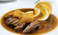 Wining & Dining: Seared Duck Fillet In Orange Sauce Duck Recipes, Turkey Recipes, Chicken Recipes, Chicken Enchilada Pasta, 80s Food, Pot Roast, My Favorite Food, Foodies, Food And Drink