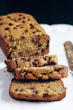Have you ever tried chickpea flour? Try this beautiful nutritious chickpea flour banana bread packed with protein & fiber. Great with chocolate chips too! Flours Banana Bread, Gluten Free Banana Bread, Gluten Free Baking, Gluten Free Desserts, Healthy Treats, Healthy Baking, Healthy Desserts, Chickpea Flour Recipes, Chickpea Flour Bread
