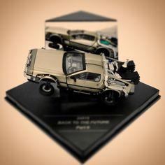 """Conheça a linha de miniaturas super detalhadas da Vitesse do carro DELOREAN (Time Machine), ícone dos filmes """"De Volta Para o Futuro"""". Venha!"""