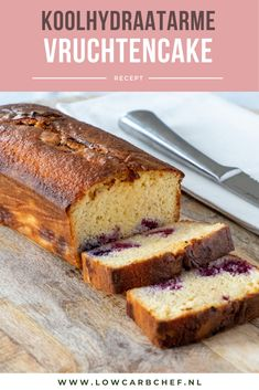 Koolhydraatarme vruchtencake This low-carb fruit cake is easy to make and delicious to eat as a snack or dessert with a cup of coffee or tea. Berry Smoothie Recipe, Easy Smoothie Recipes, Cake Recipes, Dessert Recipes, Desserts, Homemade Frappuccino, Sweet Pie, Food Cakes, Ice Cream Recipes