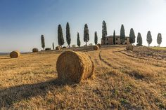 Landscape of Tuscany. Photo by Renato R. - This country house in Pienza has become a sort of icon of the landscape of Tuscany, Italy