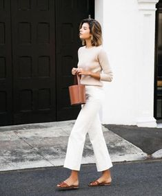 58 Minimalist Outfit Ideas For Fall 2018 - Herren- und Damenmode - Kleidung Mode Outfits, Jean Outfits, Casual Outfits, Casual White Jeans Outfit Summer, Casual Friday Summer, White Culottes Outfit, Wide Leg Pants Outfit Summer, Fashionable Outfits, Summer Shorts