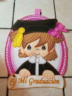 Graduation Crafts, Graduation Project, Graduation Decorations, Graduation Party Decor, School Decorations, Diy And Crafts, Crafts For Kids, Arts And Crafts, Paper Crafts
