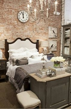 Exposed brick - LOVE