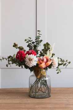 beautiful bouquet inspiration - inspire |  floral arrangements & photography - flower - flowers - eucalyptus - spring - vase - styling - simple - idea - ideas - inspiration - pretty