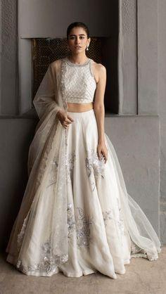 Party Wear Indian Dresses, Party Wear Lehenga, Indian Gowns Dresses, Indian Bridal Outfits, Dress Indian Style, Indian Fashion Dresses, Indian Designer Outfits, Designer Dresses, Bollywood
