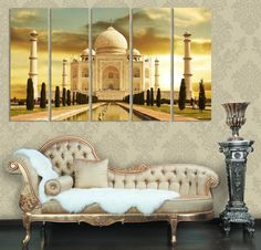 #Tadż #Mahal to najpiękniejsze w Indiach i jedno z najbardziej rozpoznawalnych na świecie #dzieł #architektonicznych. Jego motyw bywa wykorzystany jako uzupełnienie #wystroju #wnętrza. Monument można bardzo pięknie wyeksponować za pomocą #fototapety.