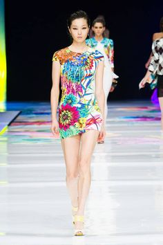 JUST CAVALLI SPRING 2014 READY-TO-WEAR COLLECTION