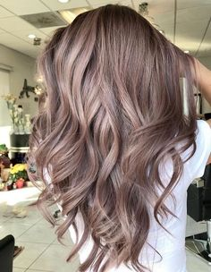 34 Flawless Summer Hair Color Trends for Women 2018 - Love That Hair - Hair Designs Hair Color Shades, Cool Hair Color, Best Box Hair Color, Nice Hair Colors, Shades Of Brown Hair, Brown Hair To Blonde, Unique Hair Color, Trendy Hair Colors, Change Hair Color