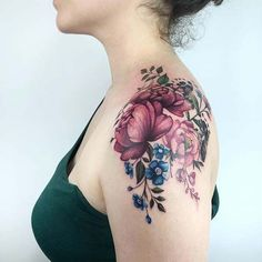 Watercolor tattoos transform your body into a living canvas - KickAss T . - Watercolor tattoos transform your body into a living canvas – KickAss Things – flower watercolor tattoo © ️️ tattoo artist Yeliz Ozcan ❤️❤️❤️❤️❤️❤️ – Back Tattoos, Girl Tattoos, Small Tattoos, Sleeve Tattoos, Ankle Tattoos, Tatoos, Tattoo Sleeves, Bodysuit Tattoos, Wolf Tattoos