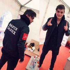 Love his jacket ❤️❤️