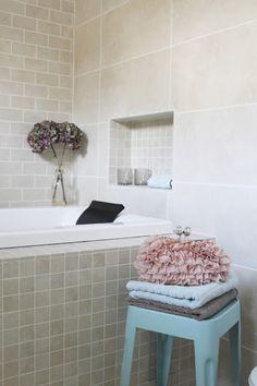 Fridas lille hjem Bathtub, Room Decor, Bathroom, Google, Standing Bath, Bath Room, Bath Tub, Home Decor, Bathrooms
