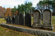 Pine Hill gets its nickname after the ghost who's believed to haunt the graveyard –a lost but non-malevolent spirit named Abel Blood. New England Day Trips, Shadow People, Most Haunted Places, Spirit World, Haunted History, Civil War Photos, Ghost Hunting, Urban Legends, Ghost Stories