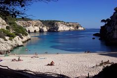 Cala Macarelleta is situated just near Cala Macarella at the south of the island. can be reach only by walk (30 mins) or by sea.